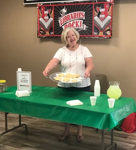Linda Heller with cookies, lemonade and more smiles!